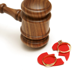 gavel-wedding-rings-broken-heart-300